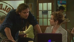 Lucas Fitzgerald, Susan Kennedy in Neighbours Episode 6371