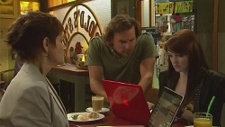 Susan Kennedy, Lucas Fitzgerald, Summer Hoyland in Neighbours Episode 6372