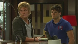 Andrew Robinson, Chris Pappas in Neighbours Episode 6374