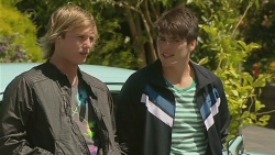 Andrew Robinson, Chris Pappas in Neighbours Episode 6375
