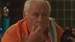 Lou Carpenter in Neighbours Episode 6375