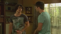 Aidan Foster, Chris Pappas in Neighbours Episode 6377