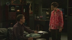 Paul Robinson, Susan Kennedy in Neighbours Episode 6377