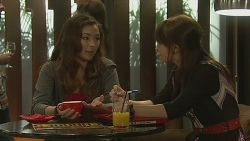 Jade Mitchell, Summer Hoyland in Neighbours Episode 6379