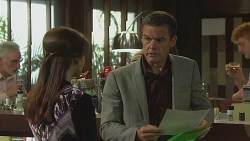 Summer Hoyland, Paul Robinson in Neighbours Episode 6379