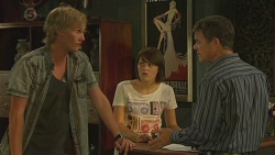 Andrew Robinson, Sophie Ramsay, Paul Robinson in Neighbours Episode 6380
