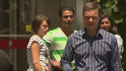 Sophie Ramsay, Ajay Kapoor, Paul Robinson, Priya Kapoor in Neighbours Episode 6380