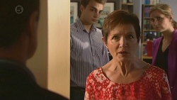 Paul Robinson, Susan Kennedy in Neighbours Episode 6380