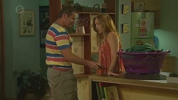 Toadie Rebecchi, Sonya Mitchell in Neighbours Episode 6382