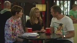 Susan Kennedy, Natasha Williams, Karl Kennedy in Neighbours Episode 6384