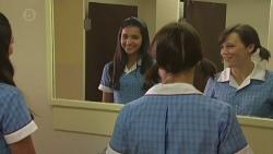 Rani Kapoor, Sophie Ramsay in Neighbours Episode 6384