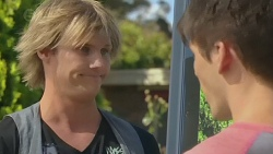 Andrew Robinson, Chris Pappas in Neighbours Episode 6385