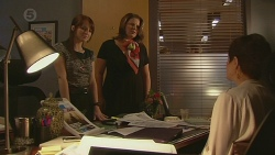 Summer Hoyland, Fiona, Susan Kennedy in Neighbours Episode 6389