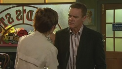 Susan Kennedy, Paul Robinson in Neighbours Episode 6390
