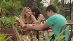 Natasha Williams, Chris Pappas in Neighbours Episode 6392