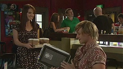 Summer Hoyland, Andrew Robinson in Neighbours Episode 6392