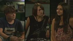 Callum Jones, Sophie Ramsay, Rani Kapoor in Neighbours Episode 6394