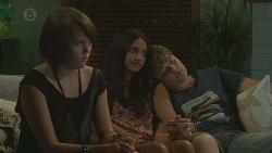 Sophie Ramsay, Rani Kapoor, Callum Jones in Neighbours Episode 6394
