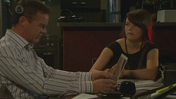 Paul Robinson, Sophie Ramsay in Neighbours Episode 6394