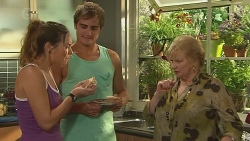 Jade Mitchell, Kyle Canning, Sheila Canning in Neighbours Episode 6394