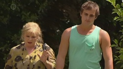 Sheila Canning, Kyle Canning in Neighbours Episode 6395