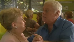 Lorna Chenney, Lou Carpenter in Neighbours Episode 6395