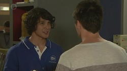 Aidan Foster, Chris Pappas in Neighbours Episode 6395