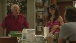 Lou Carpenter, Vanessa Villante, Lucas Fitzgerald in Neighbours Episode 6399
