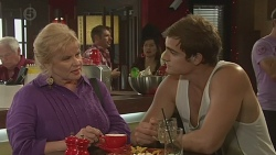 Sheila Canning, Kyle Canning in Neighbours Episode 6399