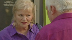 Sheila Canning, Lou Carpenter in Neighbours Episode 6399