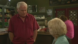Lou Carpenter, Vera Munro in Neighbours Episode 6399