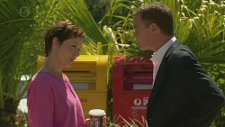 Susan Kennedy, Paul Robinson in Neighbours Episode 6400