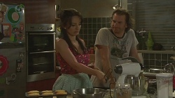 Vanessa Villante, Lucas Fitzgerald in Neighbours Episode 6400