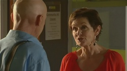 Bernard Cabello, Susan Kennedy in Neighbours Episode 6401