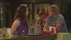 Kate Ramsay, Andrew Robinson in Neighbours Episode 6401