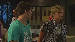 Chris Pappas, Andrew Robinson in Neighbours Episode 6401