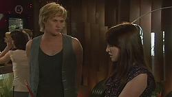 Andrew Robinson, Summer Hoyland in Neighbours Episode 6402
