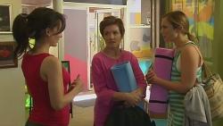 Vanessa Villante, Susan Kennedy, Sonya Mitchell in Neighbours Episode 6402
