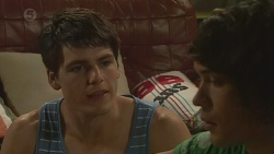 Chris Pappas, Aidan Foster in Neighbours Episode 6402
