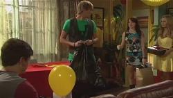 Chris Pappas, Andrew Robinson, Summer Hoyland, Natasha Williams in Neighbours Episode 6404