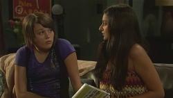 Sophie Ramsay, Rani Kapoor in Neighbours Episode 6404