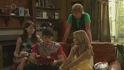 Summer Hoyland, Chris Pappas, Andrew Robinson, Natasha Williams in Neighbours Episode 6404