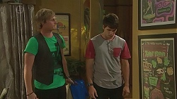 Andrew Robinson, Chris Pappas in Neighbours Episode 6404