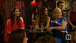 Kate Ramsay, Jade Mitchell, Sheila Canning in Neighbours Episode 6406