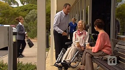 Karl Kennedy, Elaine Lawson, Susan Kennedy in Neighbours Episode 6407