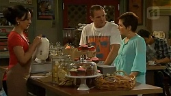 Vanessa Villante, Karl Kennedy, Susan Kennedy in Neighbours Episode 6409