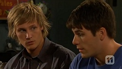 Andrew Robinson, Chris Pappas in Neighbours Episode 6410