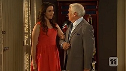 Kate Ramsay, Lou Carpenter in Neighbours Episode 6411