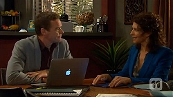 Paul Robinson, Zoe Alexander in Neighbours Episode 6412