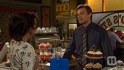 Vanessa Villante, Rhys Lawson in Neighbours Episode 6414